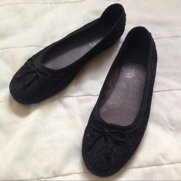 9797c73ecf AEROSOLES Shoes   Black Sequin Ballet Flats Size 9 Euc   Poshmark